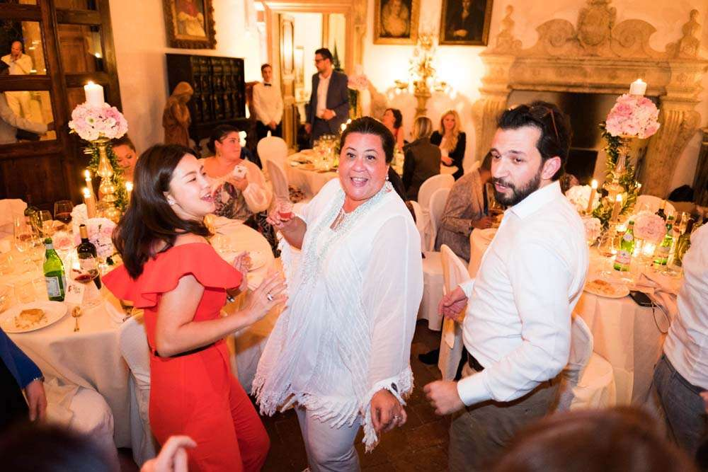 international wedding planncers dance tuscany
