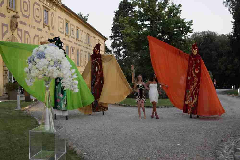 Enterteinment masked stilters