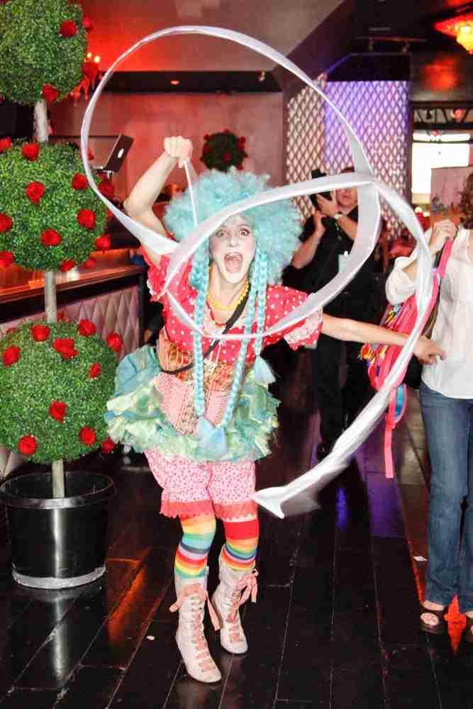 cirque de soeil style characters entertainment